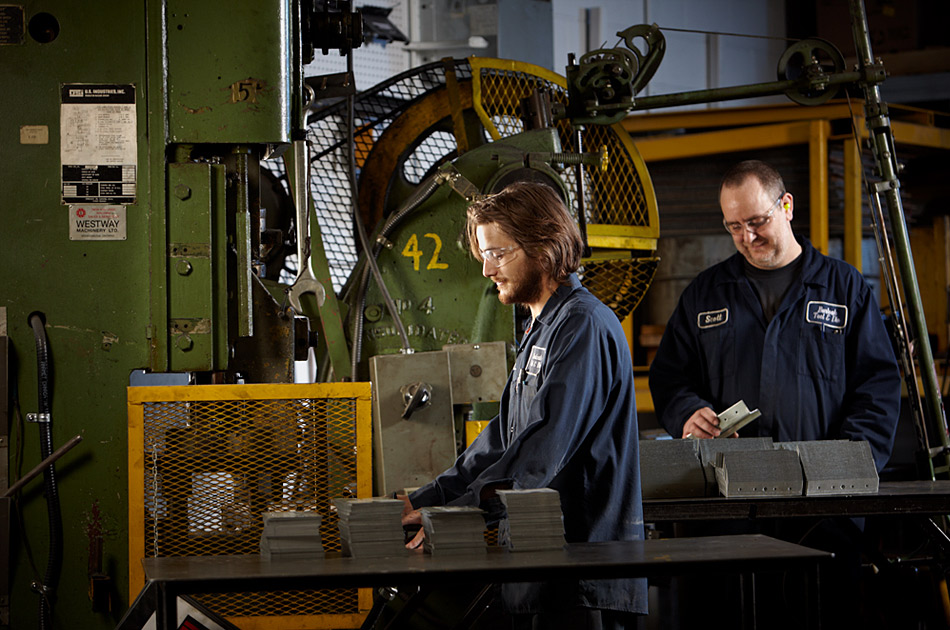 machine-operators-burloak-tool-die
